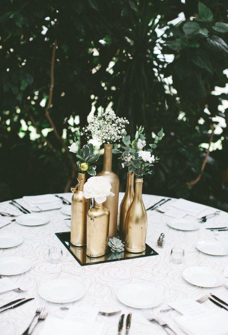 Espelho no centro de mesa da decoração de casamento DIY