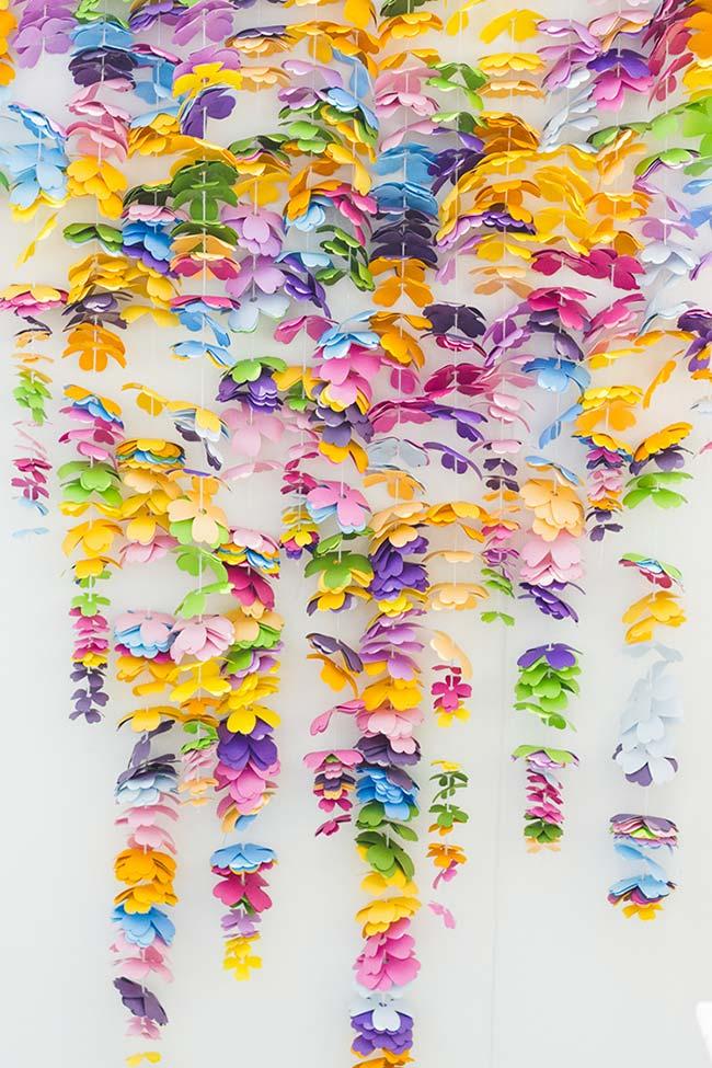 Cortina de flores de papel