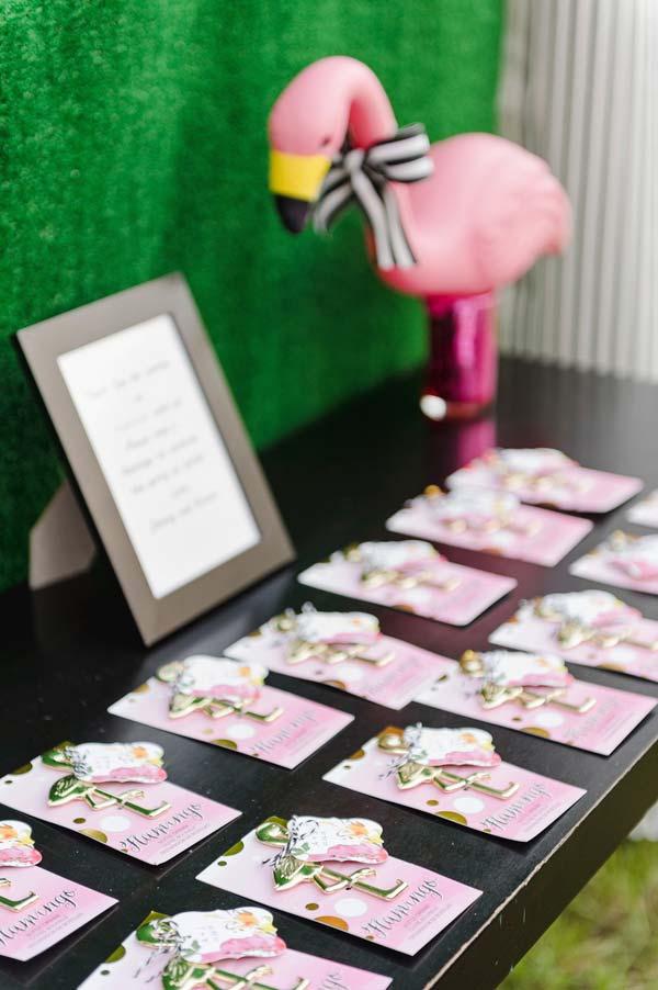 Lembrancinha de 15 anos com o tema flamingos