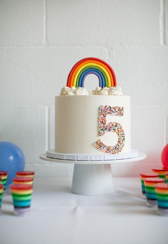 Arco íris para mesversário de bebê cinco meses