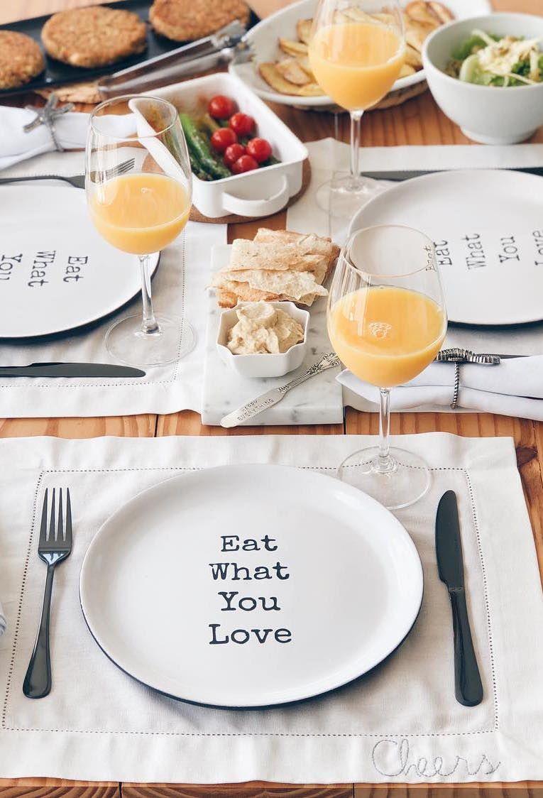 Prato com mensagem para mesa posta