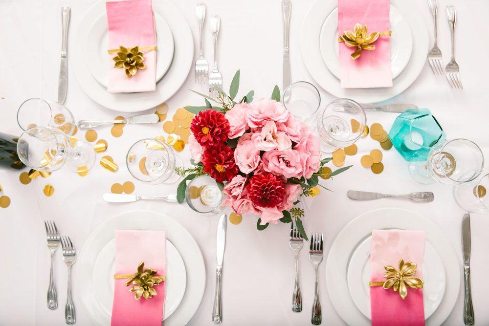 Anéis de guardanapo valorizam a decoração da mesa