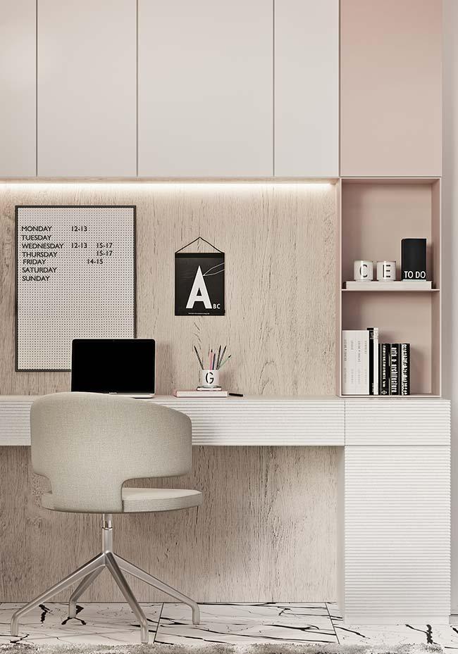 Além de quadros, você pode usar murais e avisos, calendários e até mesmo flâmulas ou estandartes