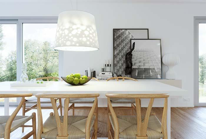 Preto e branco na parede de quadros