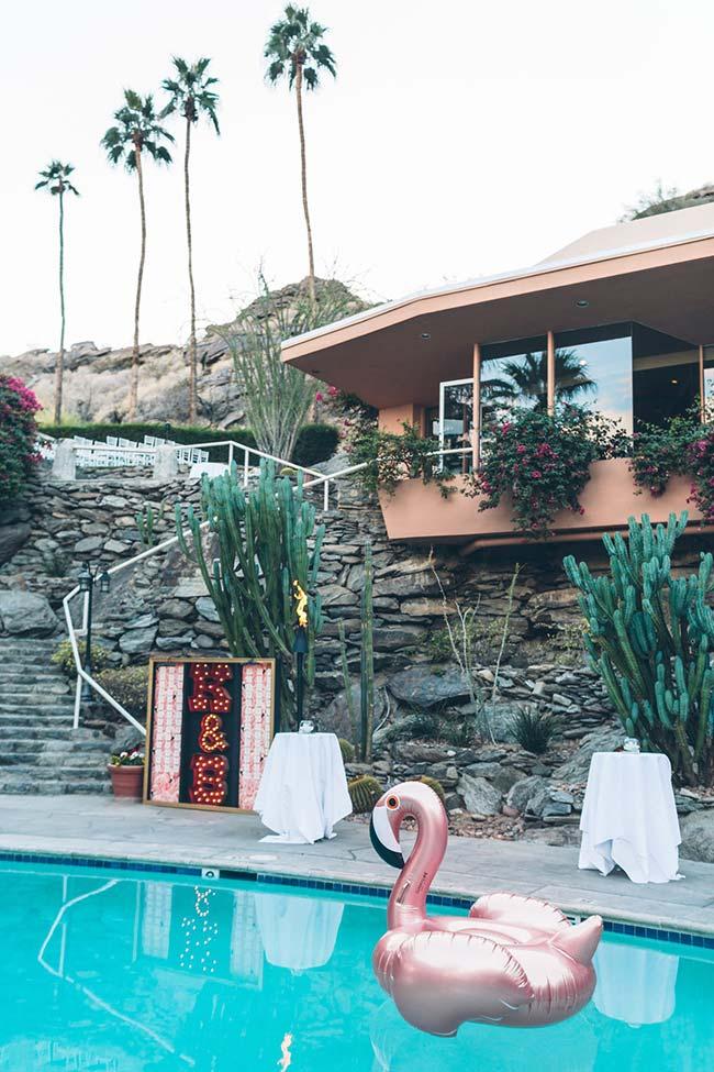 A casa tem piscina? Integre-a na festa também