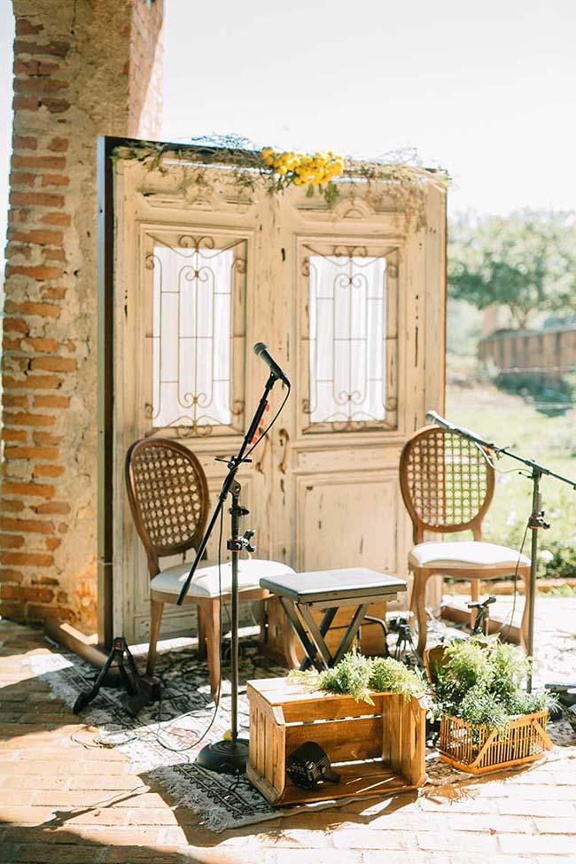 Casamento em casa: voz e violão garantem a música e a diversão da festa