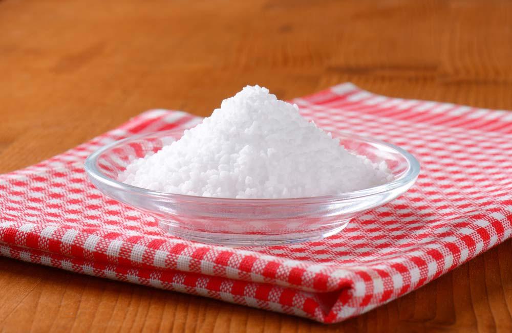 Como fazer amaciante com sal grosso