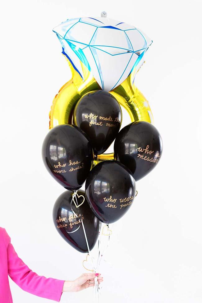 Festa de noivado simples com balões