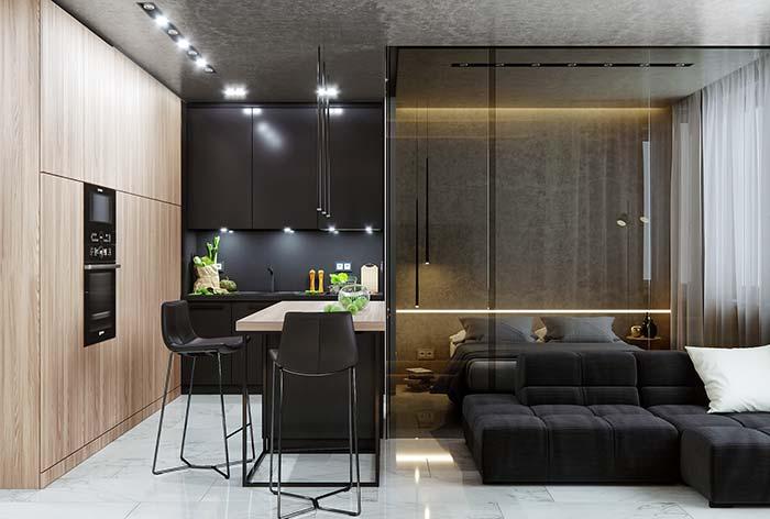 Vidro é uma opção moderna, atual e muito utilizada para demarcar os espaços em projetos de tamanho reduzido