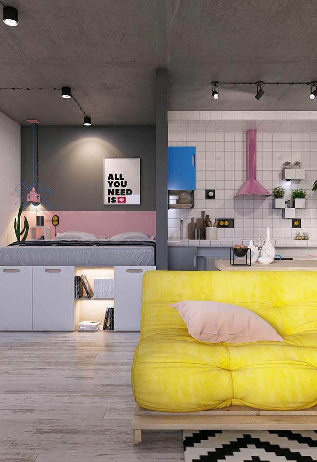 A integração de ambientes favorece espaços pequenos, além de deixar os apartamentos decorados mais modernos