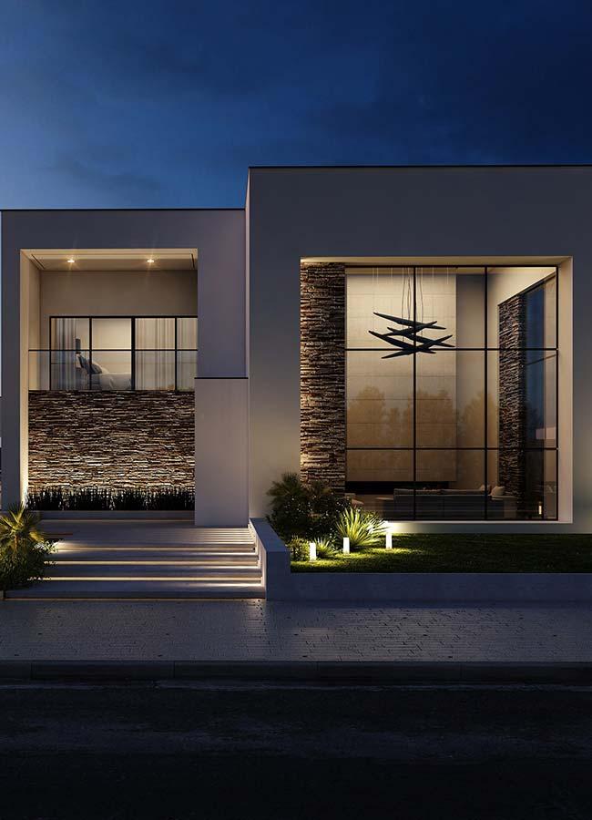 As fachadas das casas podem ser revestidas com pedras em filetes, brutas ou cortadas em formatos específicos