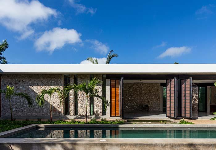 O modo de colocação das pedras também interfere no resultado final da fachada de casa com pedra