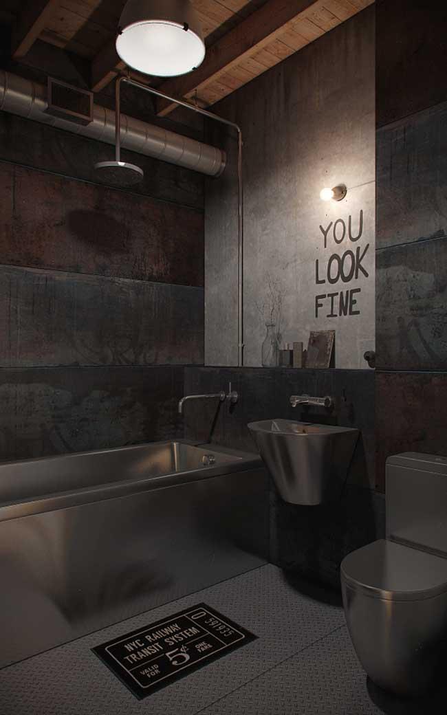 Nesse banheiro o aço inox predomina; cuidado, no entanto, com o uso excessivo do material para não deixar o ambiente frio e impessoal demais