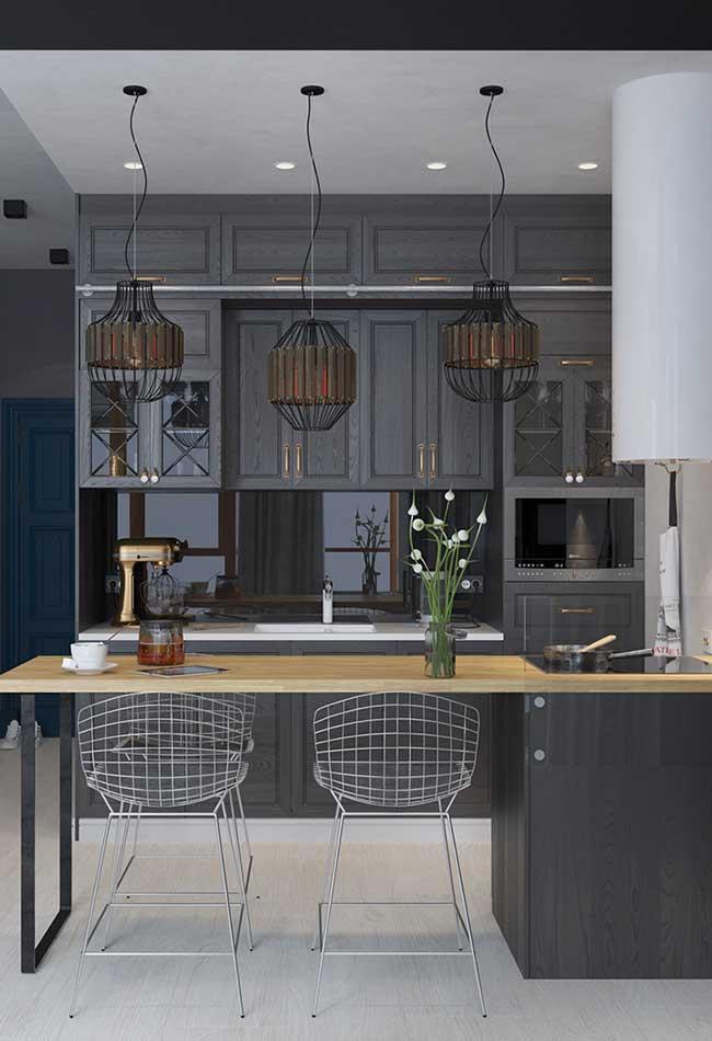 Mix entre o estilo clássico e os elementos da decoração com estilo industrial
