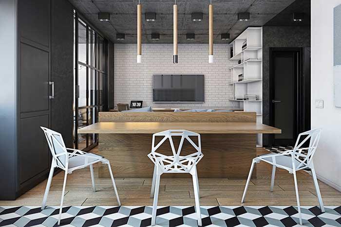 Os pisos diferentes marcam o inicio e o término de cada ambiente