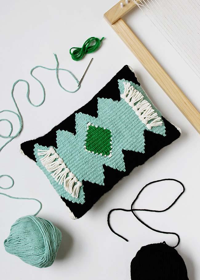 Artesanato em geral: para quem tem mais habilidades manuais pode se arriscar em um tear ou técnicas como crochê ou tricô