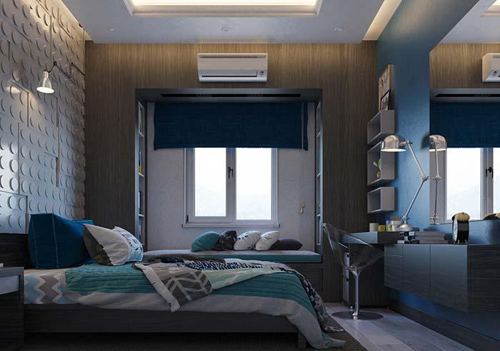 Persiana azul marinho para combinar com os detalhes do quarto