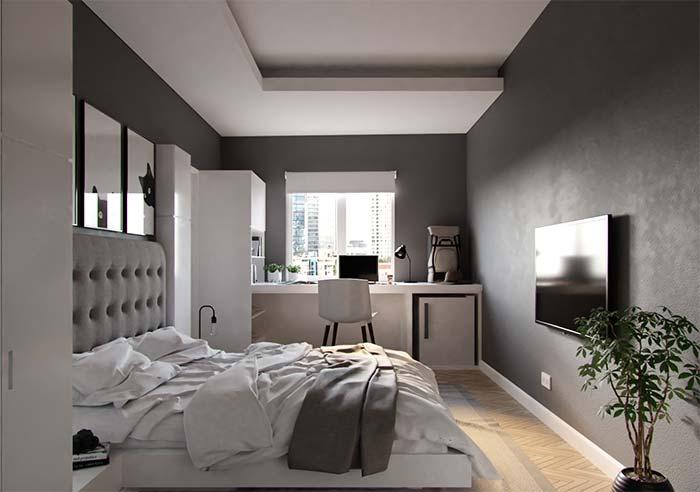 Nesse quarto, a persiana para quarto de rolo cobre exatamente a área da janela