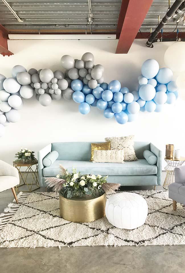 Decoração de chá de bebê simples com balões