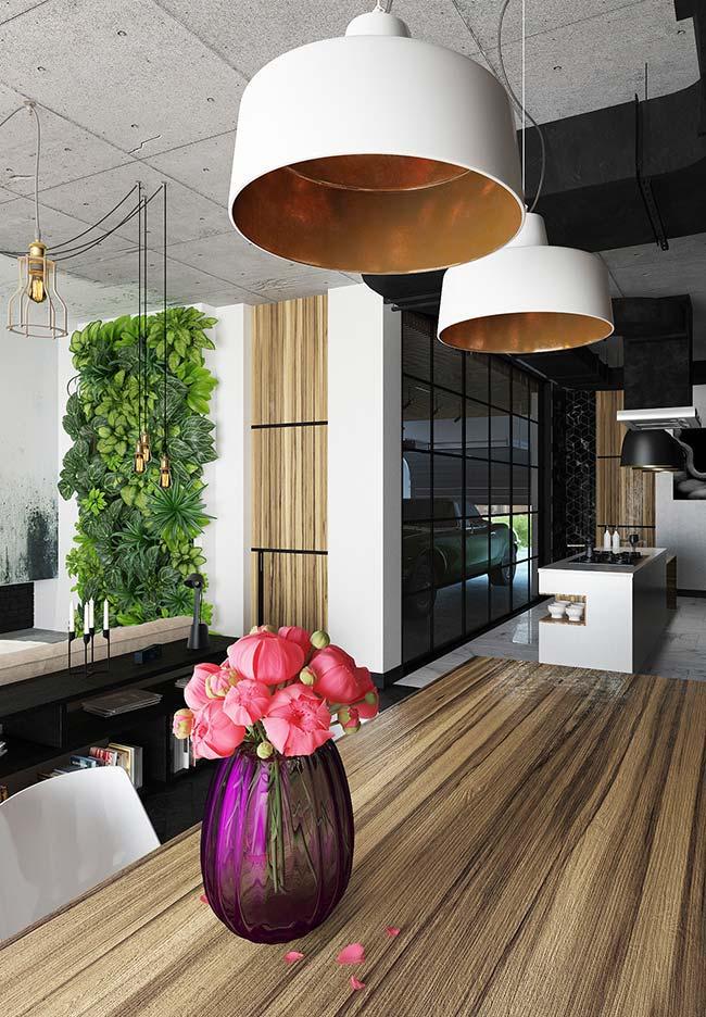 Decoração com flores de estilo moderno e industrial