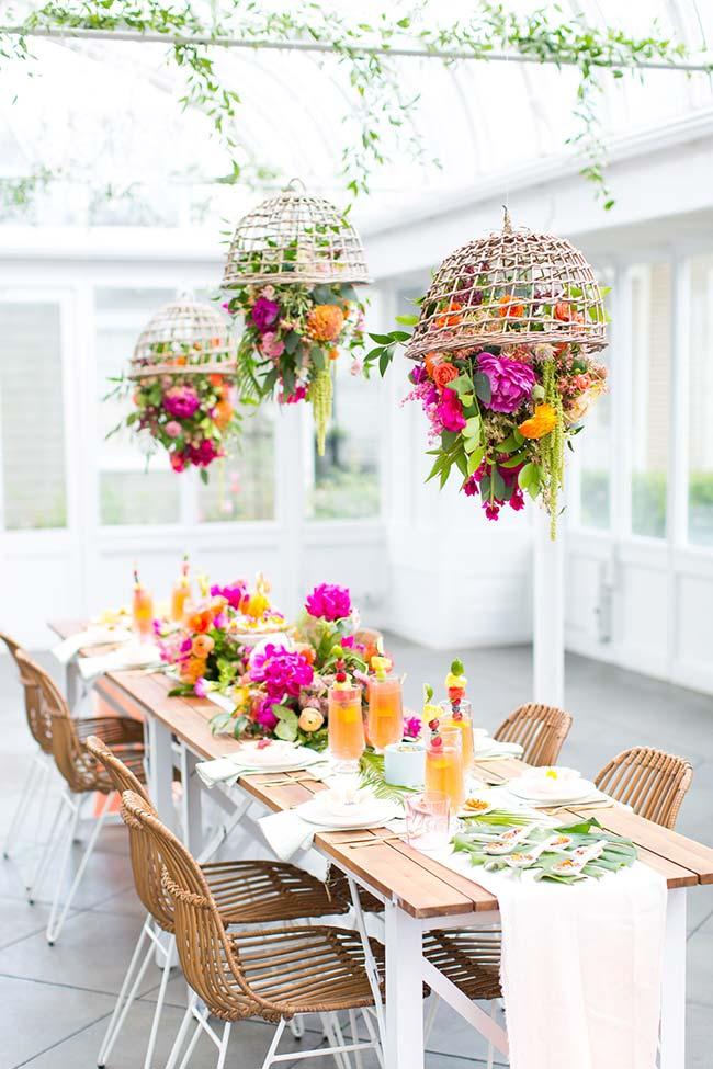 Decoração com flores para festa