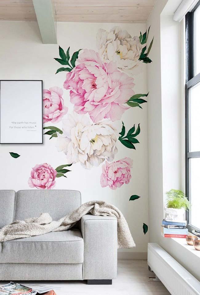Decoração com flores no papel de parede
