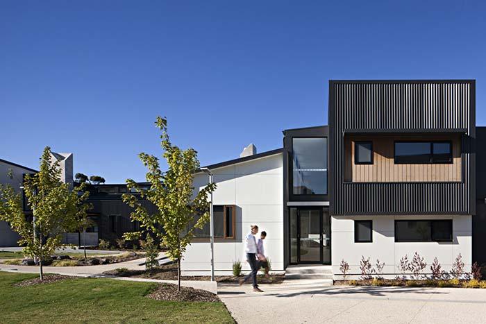 Os modelos pré-moldados valem muito a pena quando considerado o tempo infinitamente menor que será gasto para construir a casa