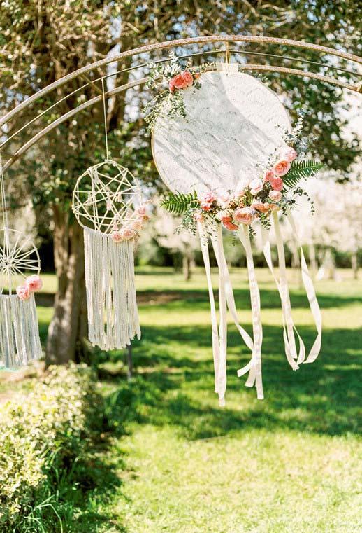 Arcos floridos para decoração do casamento simples