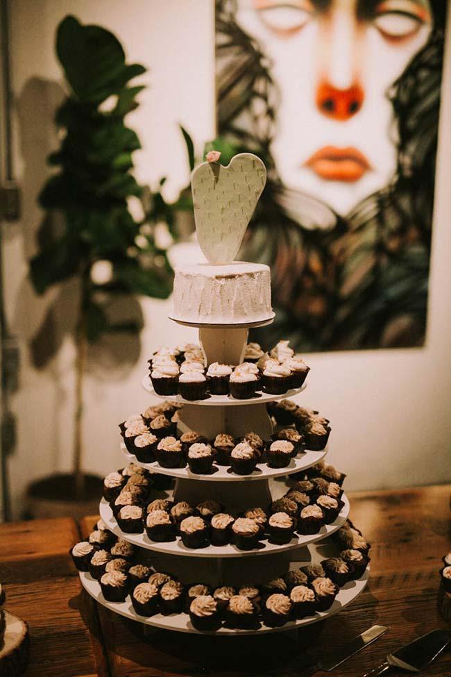 Casamento simples: ao invés de servir bolo, ofereça apenas docinhos
