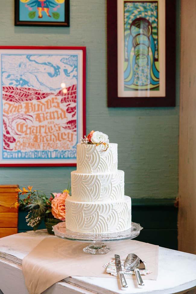 Bolo de andar é tradição nos casamentos, mas ele pode ser feito em uma versão menor e mais simples