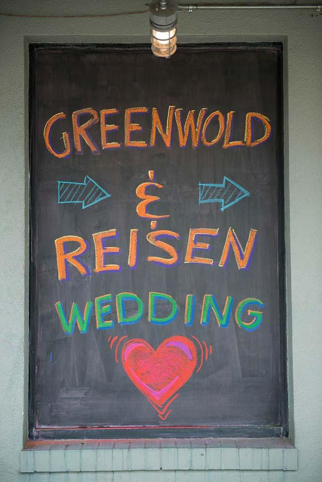 Quadro lousa fica ótimo em casamentos descontraídos e informais