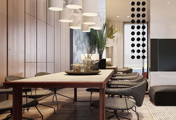 """Uma versão, digamos, """"rebaixada"""" das tradicionais mesas e cadeiras de jantar"""