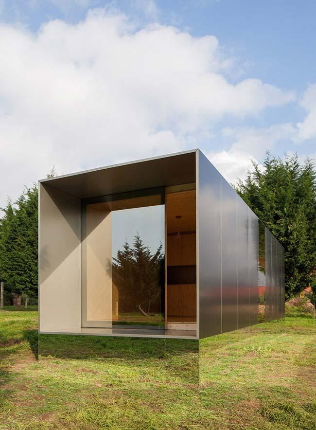 Casa container revestida de luxo