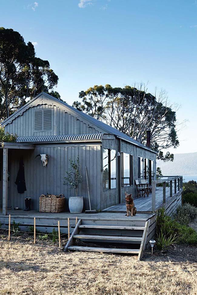 Casa simples, bonita e construída em lugar incrível