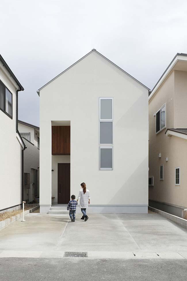 Casa pequena e de arquitetura clean encanta a qualquer um