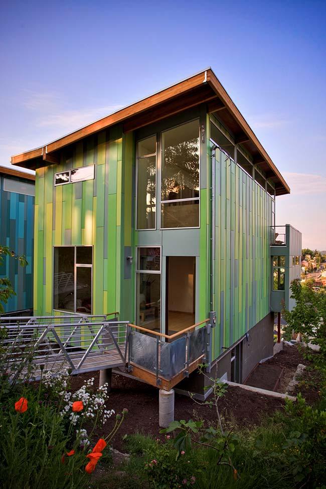 Casas baratas: nada como usar cor para garantir charme e beleza para uma casa, seja ela grande ou pequena
