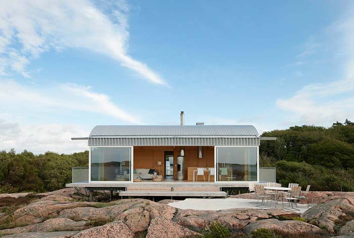 Casa barata sobre pedras
