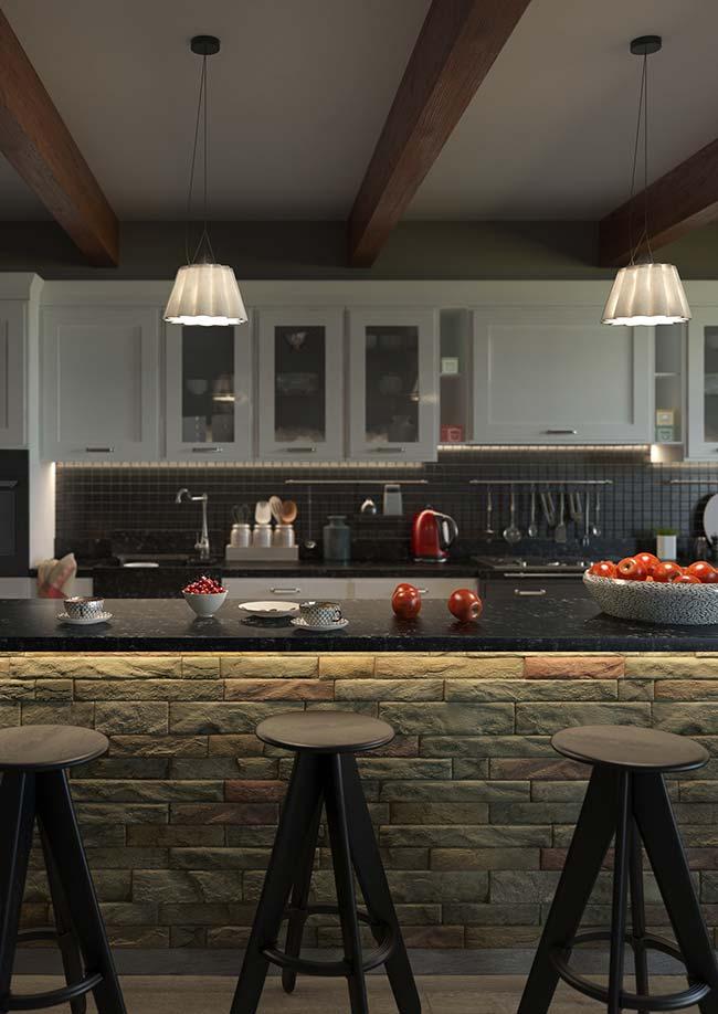 Já nessa outra cozinha, as pedras decorativas foram usadas no balcão