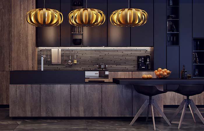 Pedras decorativas: acabamento mais fino dado a essas pedras filetes garantiu um visual refinado para a cozinha de estilo moderno