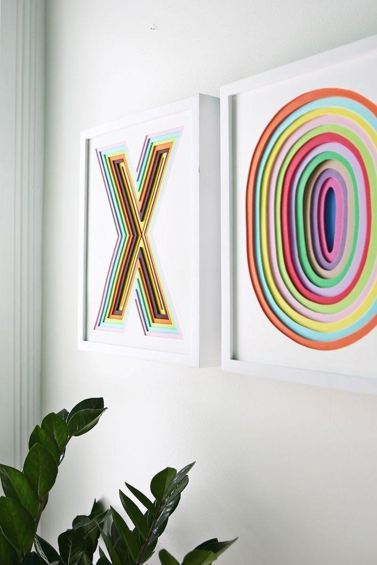 Profundidade, cor e forma nos quadros feitos de decoração com fita isolante