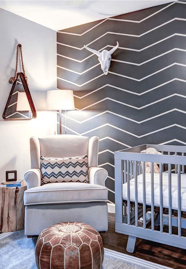 No quarto do bebê a fita isolante também revela sua versatilidade
