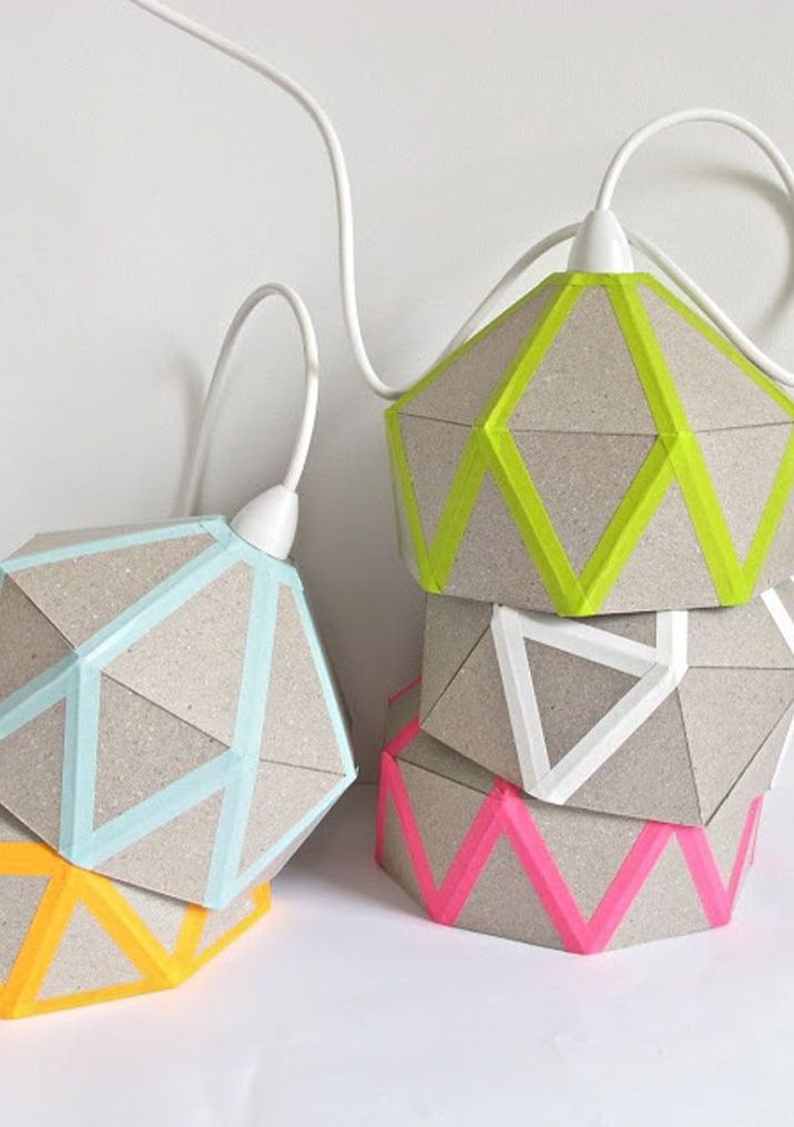 Luminárias decoradas com fita isolante