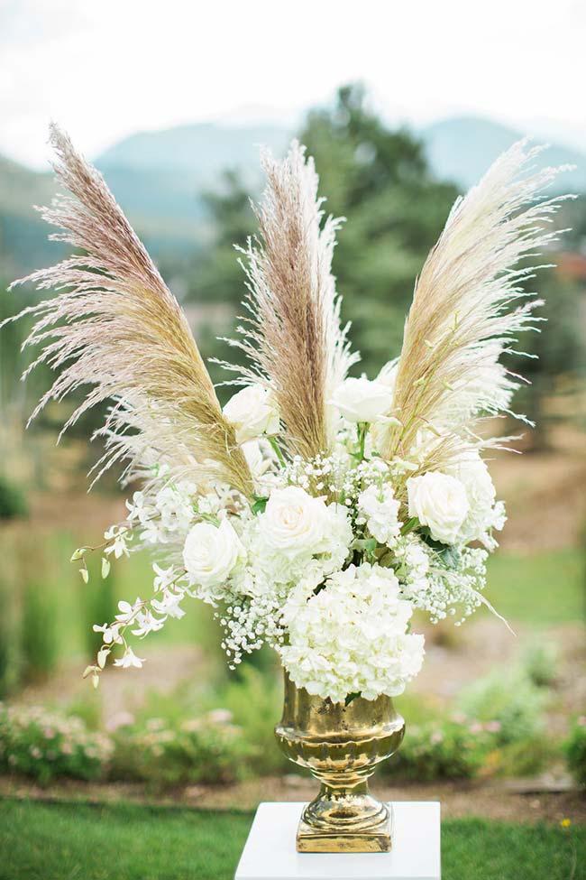 Flores para casamento: a delicadeza e a simplicidade da gispsofila não impede que a flor componha arranjos mais sofisticados