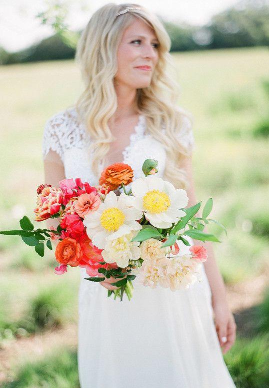 Flores para casamento: buquê de noiva com margaridas gigantes