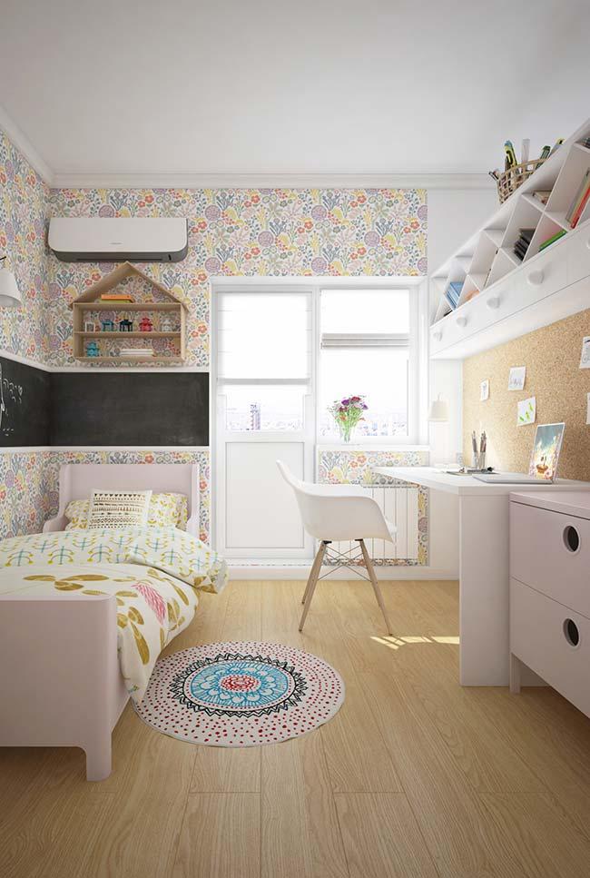 Nesse quarto de menina foram usados dois tipos de nichos