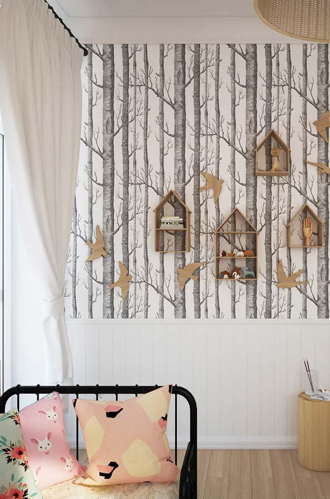 Nicho para quarto: sobre o papel de parede de árvore, os nichos de MDF cru ficaram perfeitos