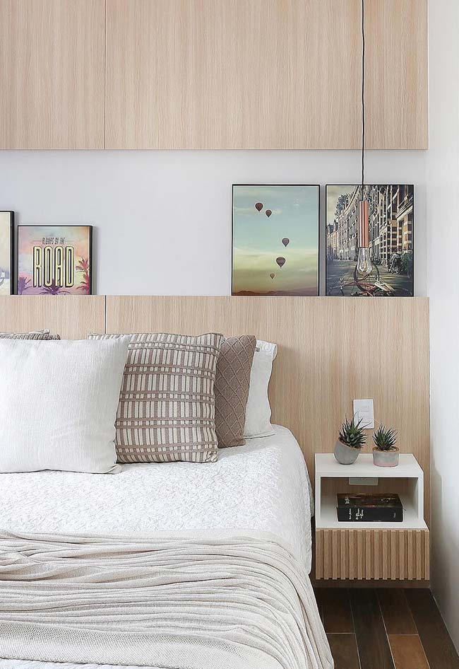 Criado-mudo suspenso para o quarto de casal com nicho para quarto e gaveta