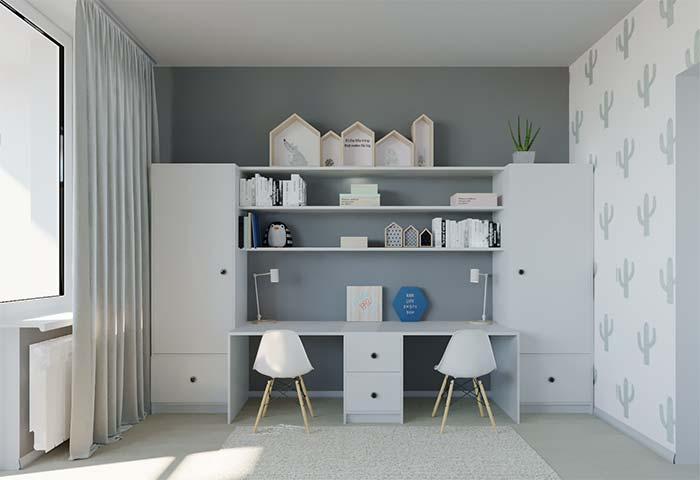 Bancada dupla do quarto infantil é unida pelos nichos para quarto