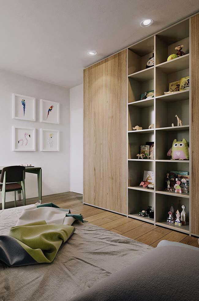 Guarda-roupa desse quarto juvenil feito sob medida conta com uma parte dedicada somente para os nichos