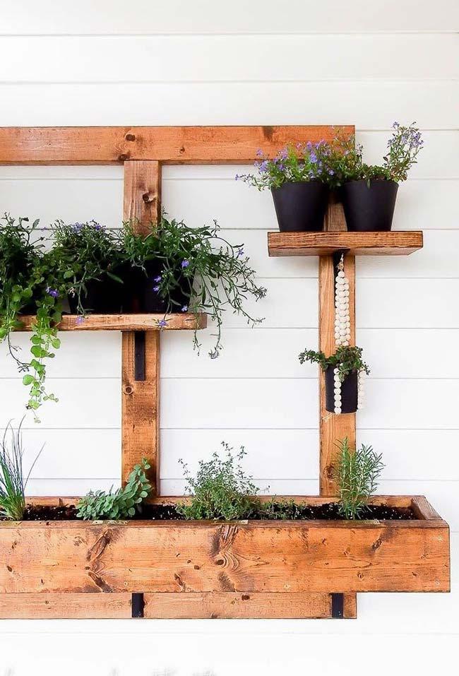 Monte seu jardim de pallets e dedique um tempo do seu dia para cuidar dele: é terapia pura